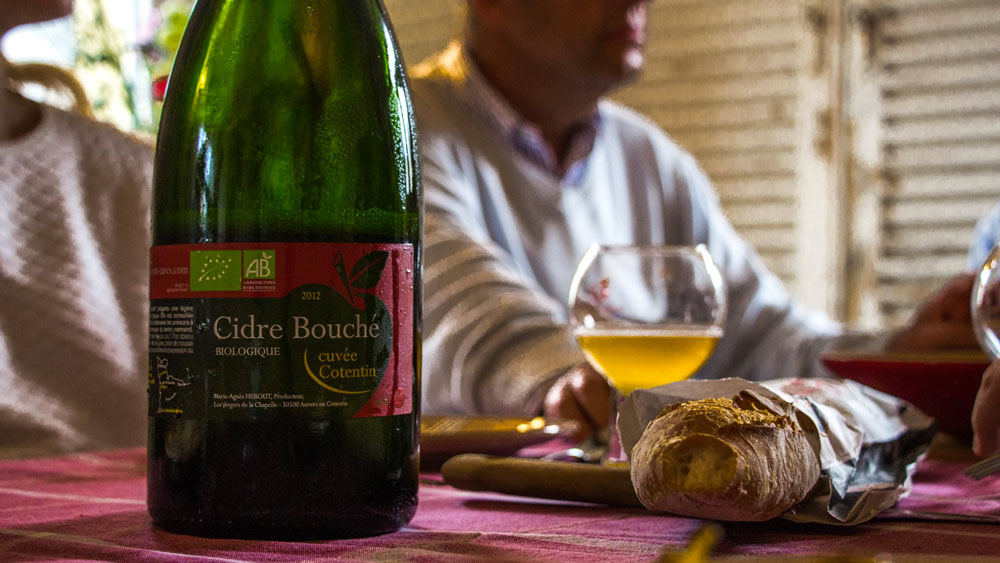 Le Cidre Bouché brut bio à table